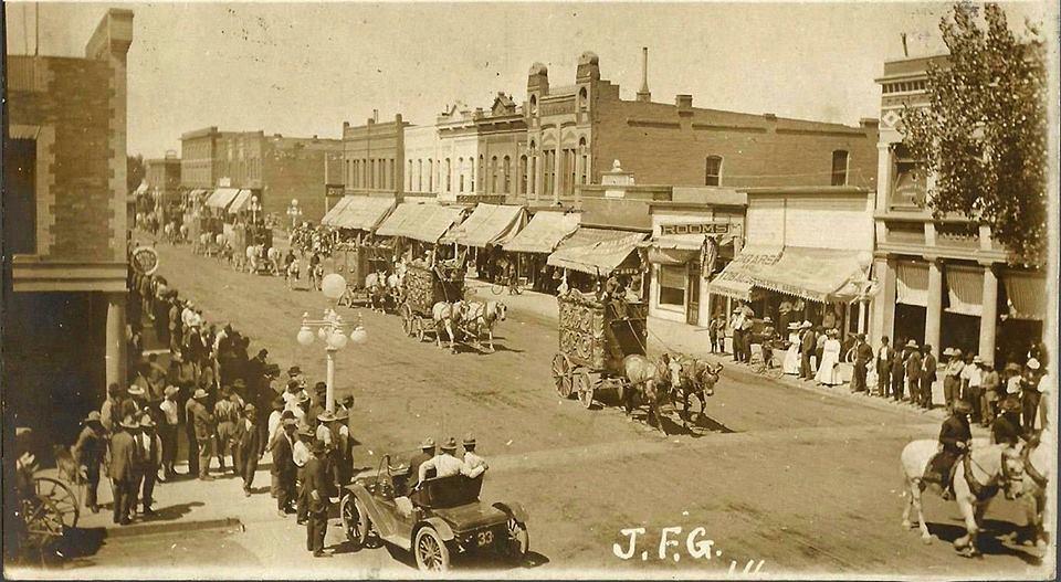 main-street-parade
