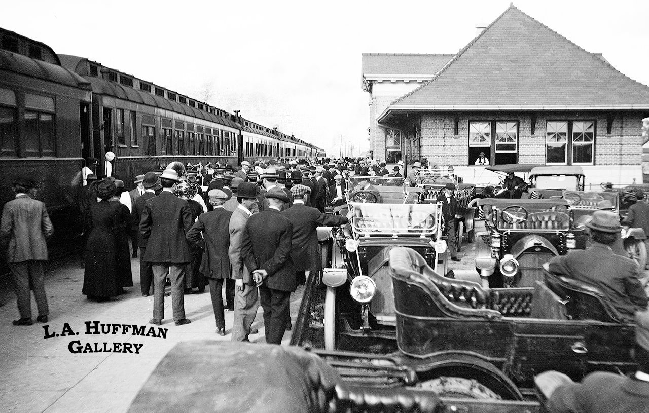 Miles-City's-Milwaukee-Depot-1918